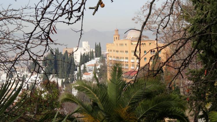 El Hotel Alhambra Palace desde el Carmen