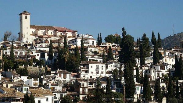 Vista inédita de el Mirador e Iglesia de San Nicolás desde el Mirador de Almanzora.