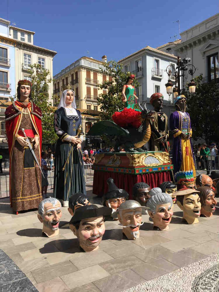 Plaza del Carmen. Ayuntamiento de Granada. La Tarasca.