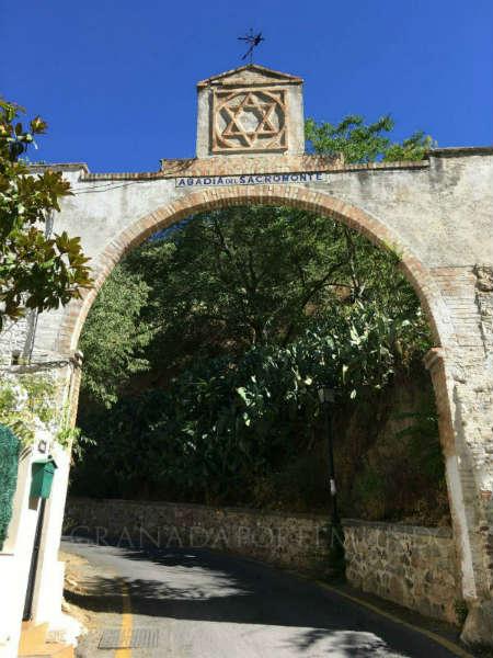 Camino a la Abadía del Sacromonte