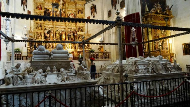 Restos de los Reyes Católicos. Capilla Real de Granada.
