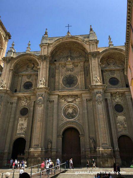 Plaza de las Pasiegas. Catedral de Granada.