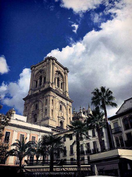 Vista de la Torre desde la Plaza de la Romanilla.