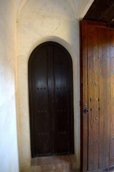 Puerta de acceso a la planta superior y a la terraza