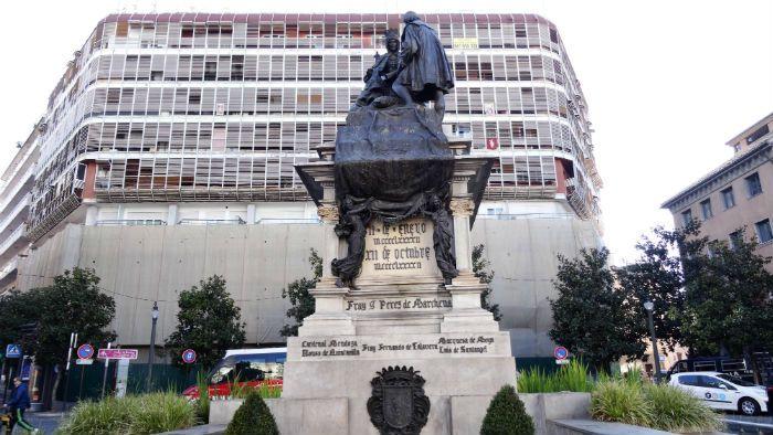 Monumento de Colón e Isabel en Granada.