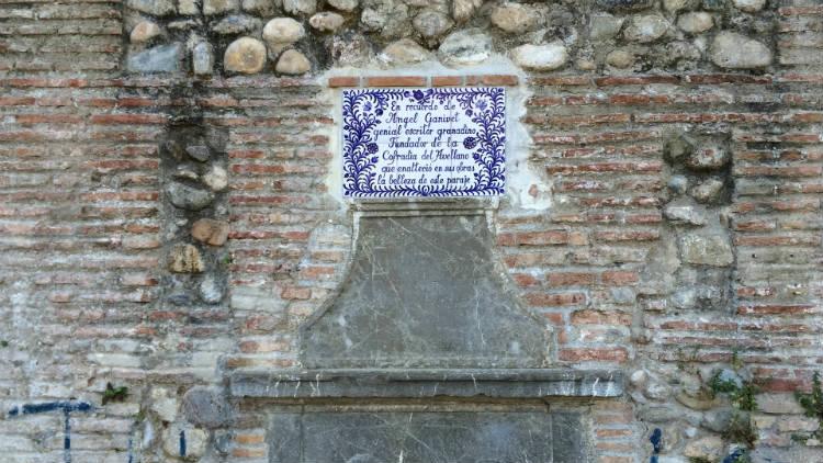 Recuerdo a Ángel Ganivet en la misma fuente del Avellano.