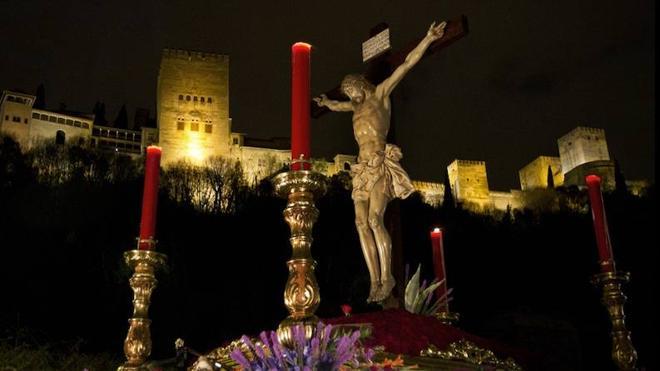 Cristo de los Gitanos por el Paseo de los Tristes Granada. Foto de IDEAL