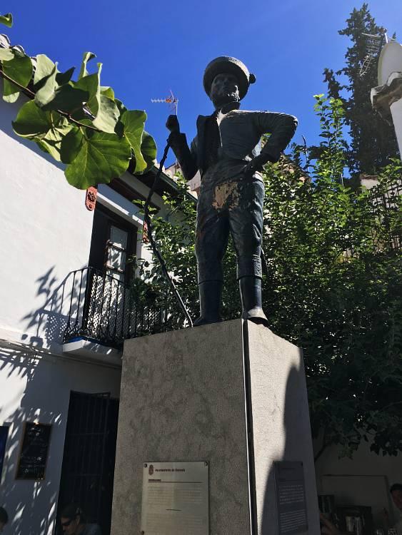 Estatua de Chorrojumo Sacromonte Granada