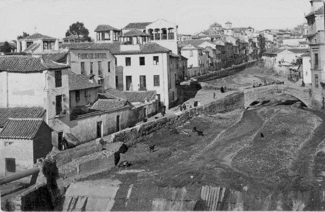 Río Darro al descubierto en 1884
