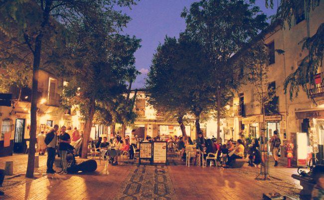 Plaza Larga, en el Albaicín