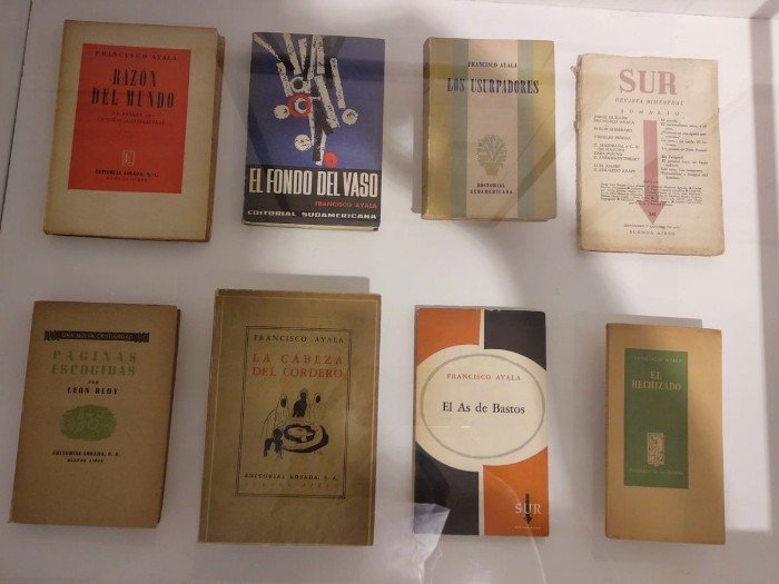 Primeras ediciones y artículos originales de Francisco Ayala. Fundación Francisco Ayala